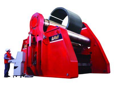 Mit der 4-Walzen Blechrundbiegemaschine von Davi lassen sich mühelos dicke Bleche bearbeiten