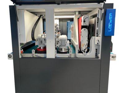 Loewer Entgrat- und Schleifmaschine BeltMaster K4TD innenansicht