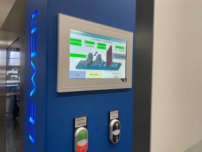 Loewer Entgrat- und Schleifmaschine BeltMaster K4TD Steuerpanel - Touch-Display