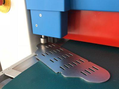Loewer Entgratmaschine / Schleifmaschine DiscMaster 6TD Blechdickenmesssystem_800x600_lightbox